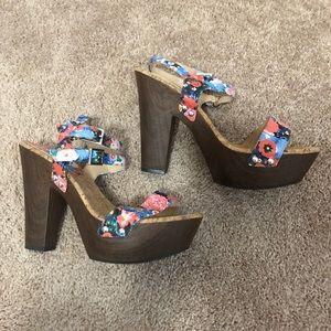 Gianni Bini Platform Heels with floral print